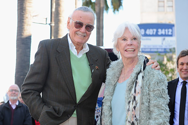 Stan Lee Joan Lee Photos - Comic book legend Stan Lee and wife Joan Lee attend a ceremony honoring Stan Lee with the 2,428th star on the Hollywood Walk of Fame on January 4, 2011 in Hollywood.