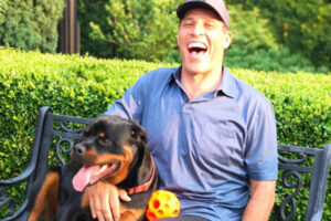 Tony Robbins is a dog lover.